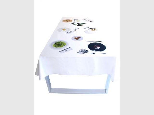 Une nappe qui mime une table dressée - Gastronomie dans la déco