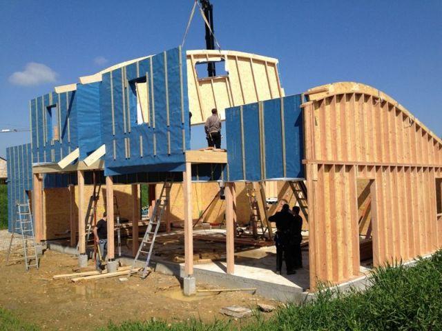 Maison à ossature bois porteuse - maison paille
