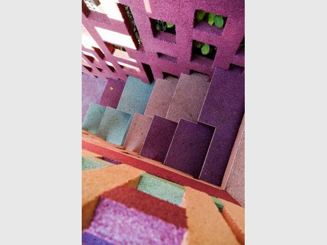 Marches colorées - après - escalier meulière