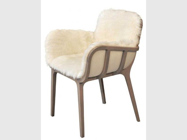 Douze fauteuils pour un salon design for Fauteuil petit salon