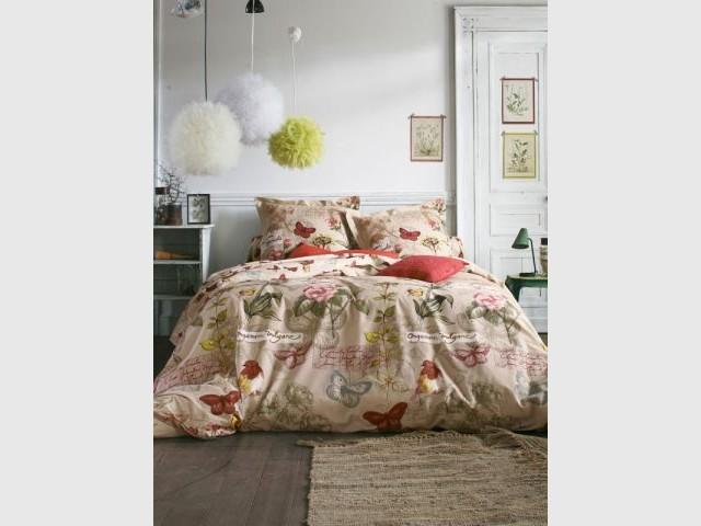 10 parures de lit cam l ons. Black Bedroom Furniture Sets. Home Design Ideas