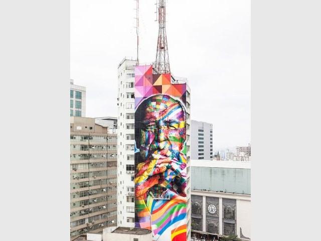 Un graffiti multicolore - Oscar Niemeyer
