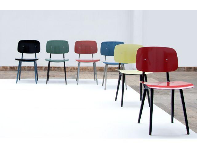 Les versions colorées de la chaise Revolt - Expo Friso Kramer