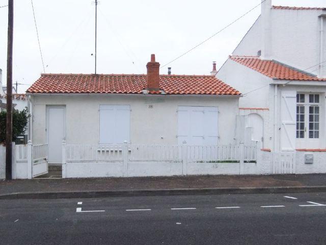 Façade avant - Avant travaux - Chantier Vendée  maison 1948 rénovée I-Revov
