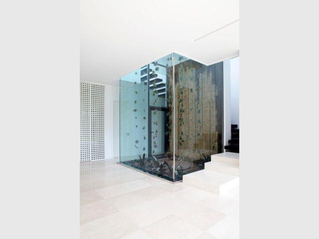 Patio cubique vertical - Villa STUDIO GUILHEM