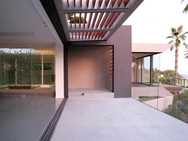 Un terrain sur plusieurs niveaux - Villa STUDIO GUILHEM