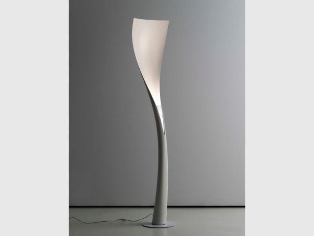 Le lampadaire Spoon de Karim Rashid pour Artemide - Milan 2013