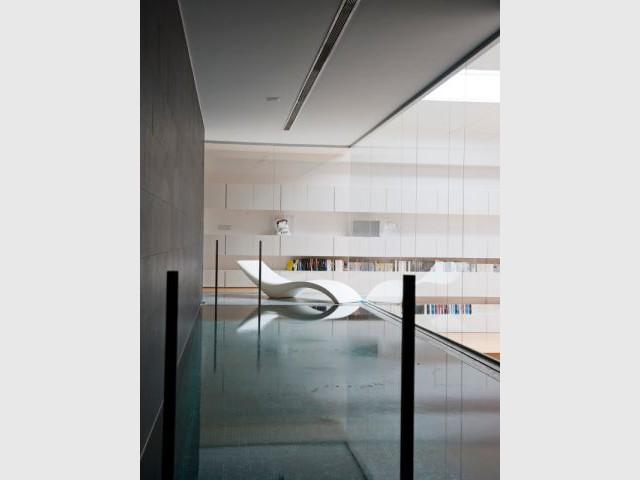 Une piscine au milieu du loft - Loft Madrid