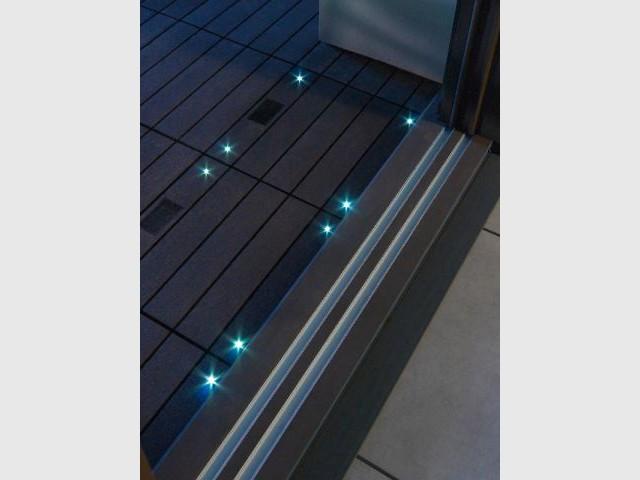 Des dalles composites lumineuses pour un balcon noctambule - Dalles extérieures