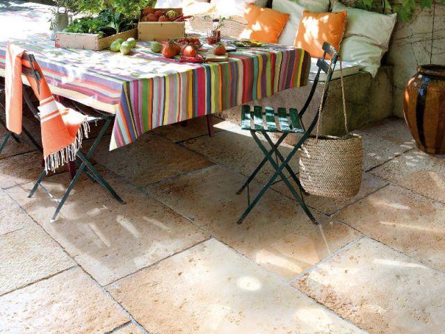 Des dalles en pierre pour une terrasse authentique - Dalles extérieures