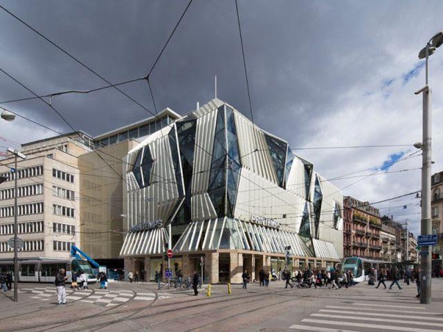 Un bâtiment esprit contemporain - Printemps Strasbourg