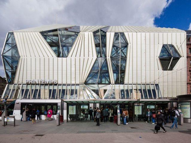 Une façade drapée - Printemps Strasbourg