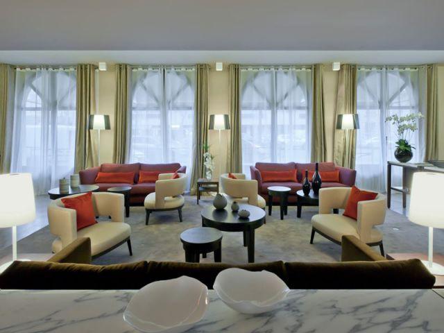 Le salon (coin détente et salle d'attente) - Hôtel Derby-Alma Paris - Salon