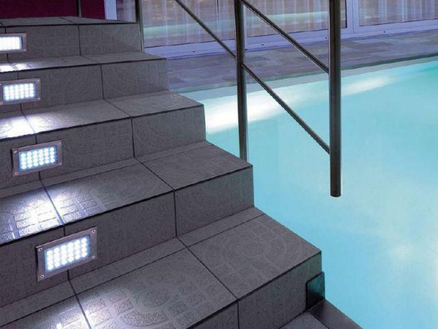 Marches piscine - Cardinal Jardin