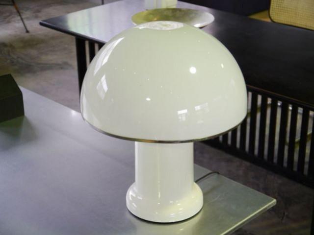 Show-room Habitat 1964 - lampe champignon