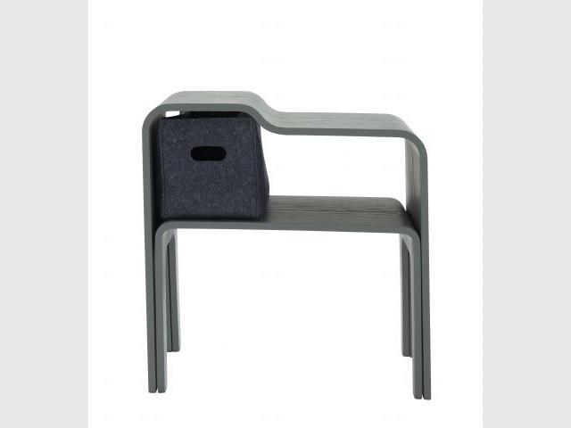 Hamok : une table de chevet - De nouveaux designers intègrent la famille Cinna