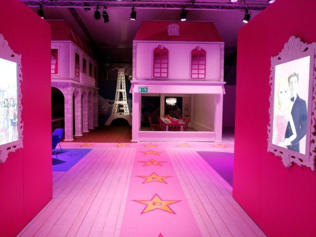 Un passage de la maison - maison Barbie Berlin