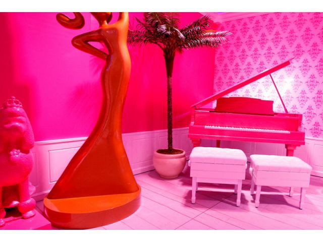 Un salon moderne - maison Barbie Berlin