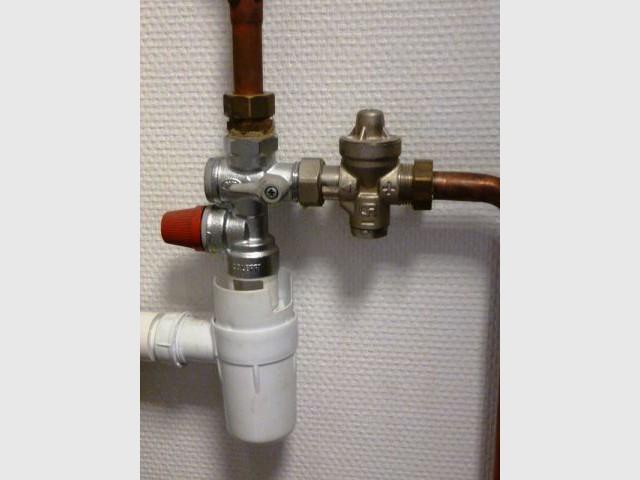Chauffe eau les bons r flexes en cas de panne - Changer son chauffe eau ...