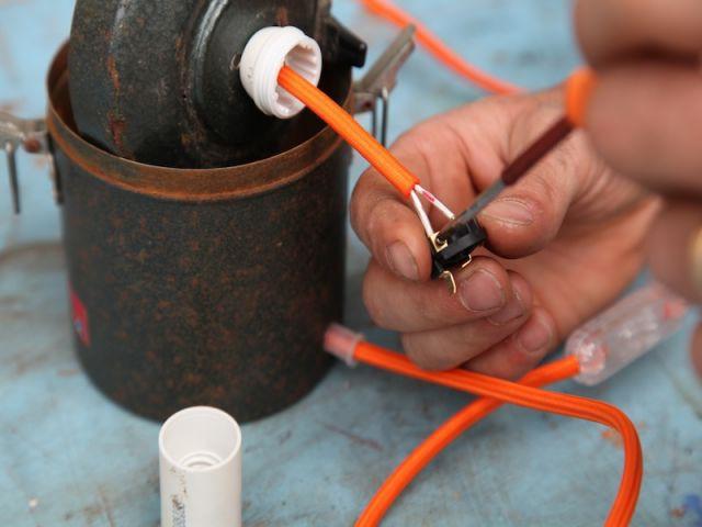 Raccorder la douille au câble - Heïdi Vallon