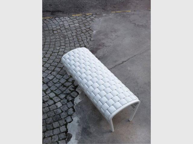 marseille aime le design. Black Bedroom Furniture Sets. Home Design Ideas