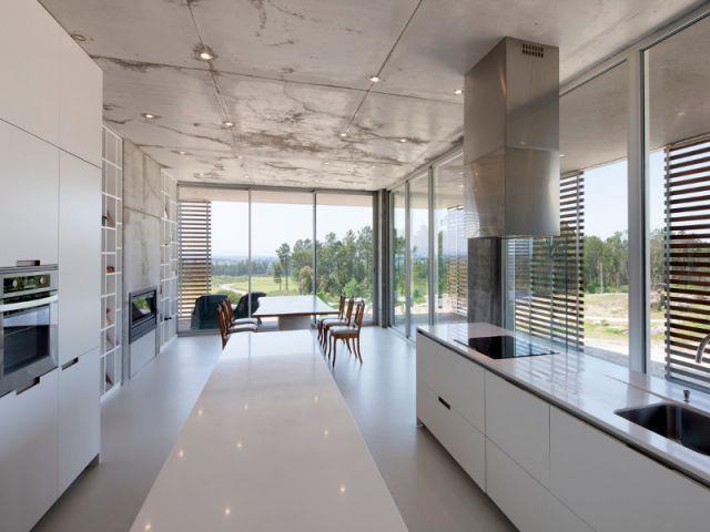 Une cuisine baignée de lumière - La Villa Géraldine