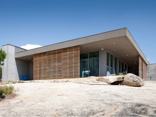 Une maison fondue dans son environnement - La Villa Géraldine