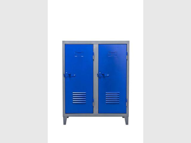Le casier fait son retour - Chaises Le Corbusier - couleurs Tolix