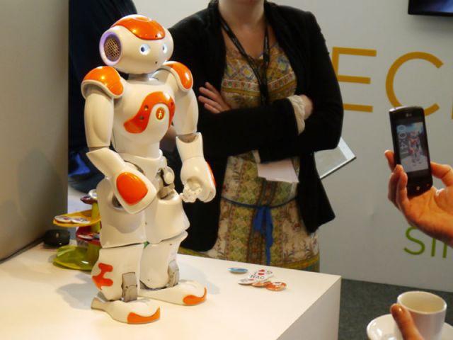 Nao, le robot - expo Cetelem