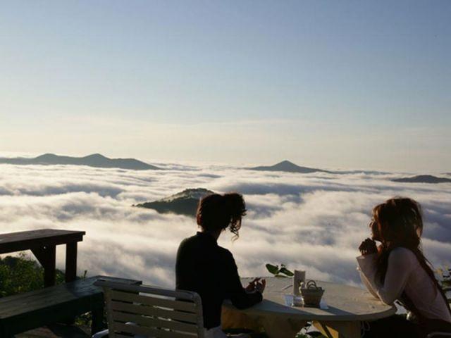La terrase - 2 - Unkai Terrace of Tomamu - Japon - Nuages