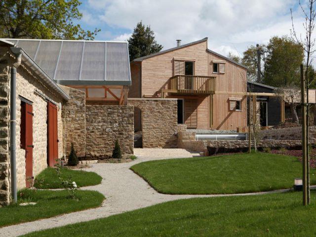 Le jardin, continuité de la maison - Maison organique bioclimatique