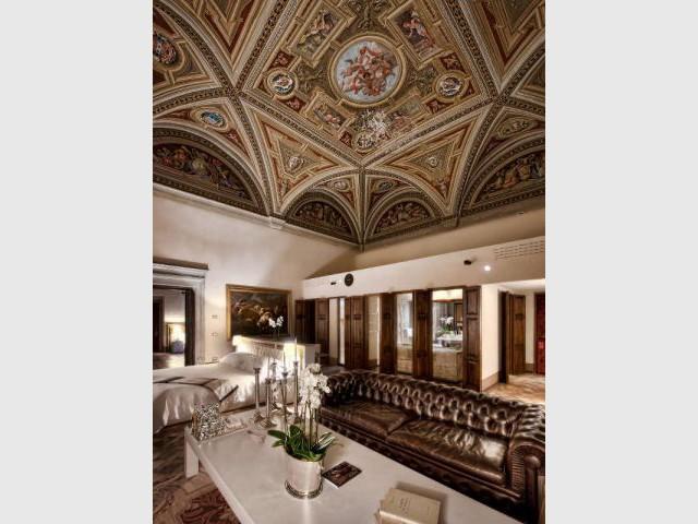 Une fresque magnifique au plafond d'une suite - Il Salviatino