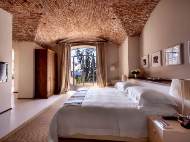 Des chambres sous des plafonds de pierre voûtés - Il Salviatino