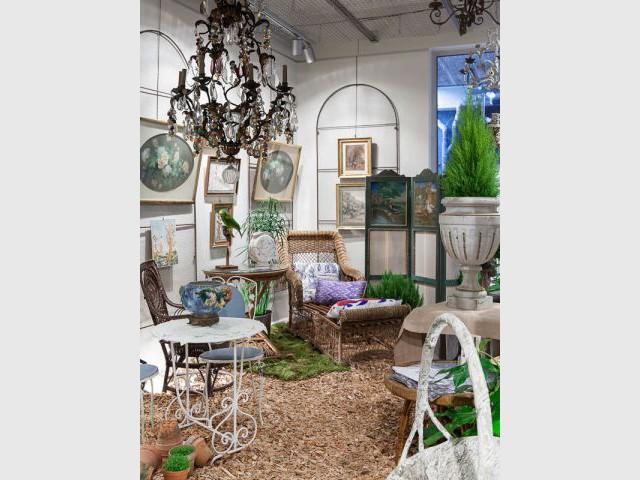 les puces retracent l 39 histoire du mobilier outdoor. Black Bedroom Furniture Sets. Home Design Ideas