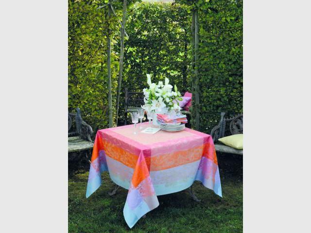Trois couleurs entremêlées pour une table élégante - Table d'été