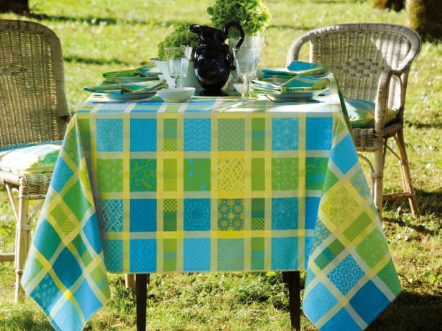 Les couleurs de l'été pour une table dynamique - Table d'été