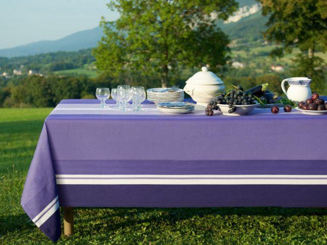Un violet épuré pour une table chaleureuse - Table d'été