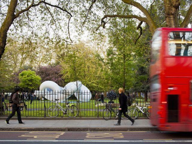 Au coeur de Londres, une structure gonflable - Peace Pavillon
