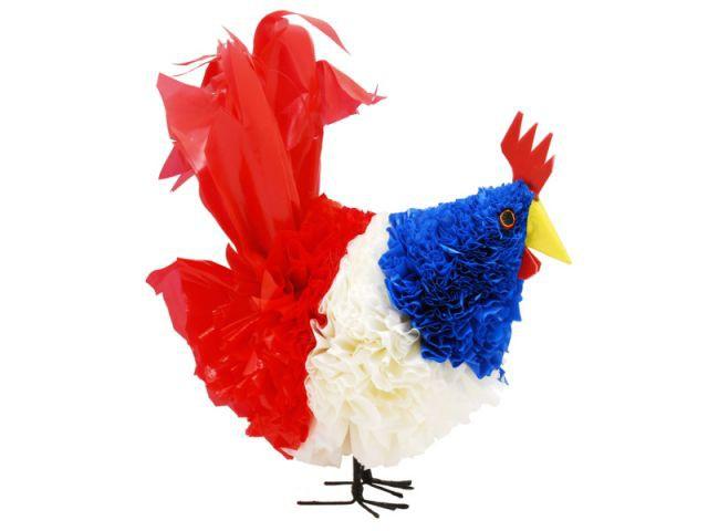 Un coq tricolore en plastique recyclé - bleu blanc rouge