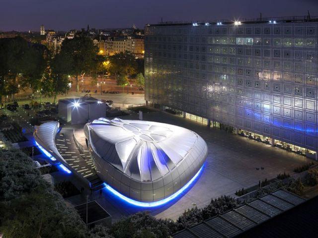 Mobile Art vue de nuit - Zaha Hadid