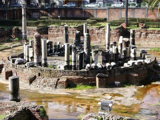 Temple romain à Pozzuoli