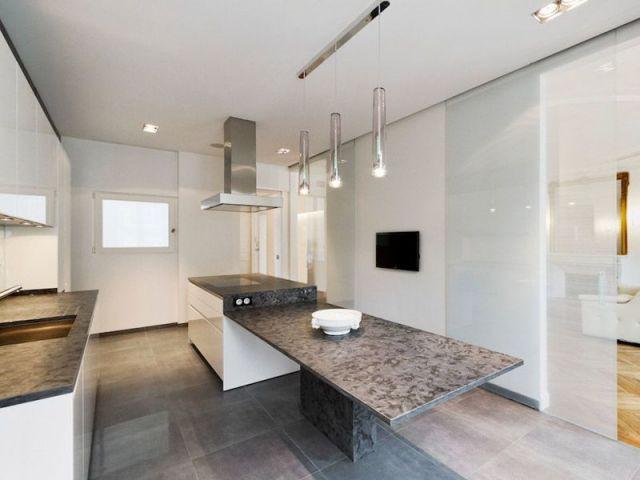 1 appartement haussmannien rena t avec style for Cuisine ouverte appartement haussmannien