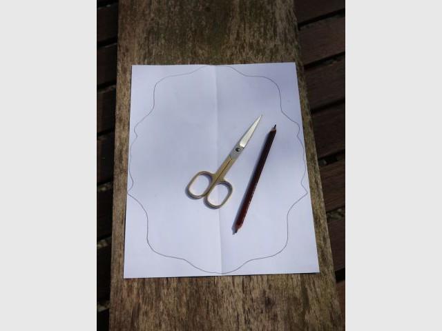Etape 1 : Déterminer et dessiner la forme du présentoir - Heïdi Vallon