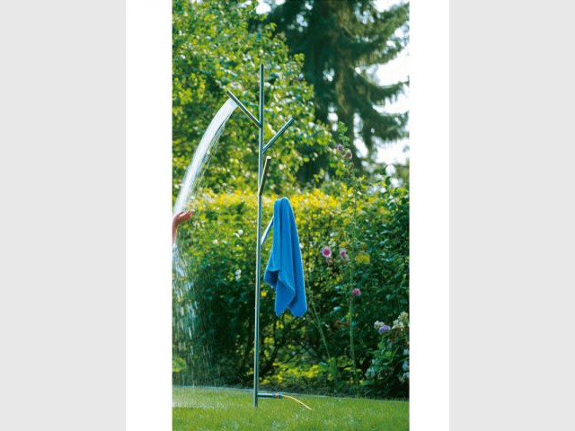Douche Under a tree - Conmoto