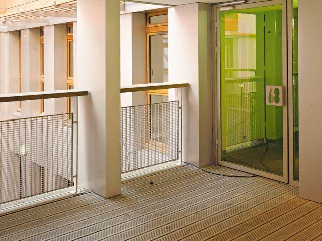 A l'entrée des étages - Réhabilitation de 18 logements dans le 12ème à paris