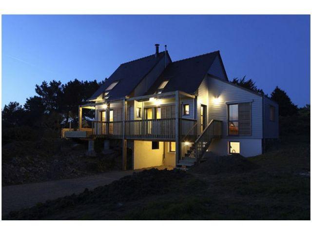 Vue de nuit - maison bioclimatique Bretagne