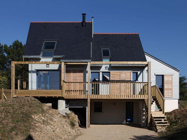une maison bioclimatique contre vents et mar es. Black Bedroom Furniture Sets. Home Design Ideas