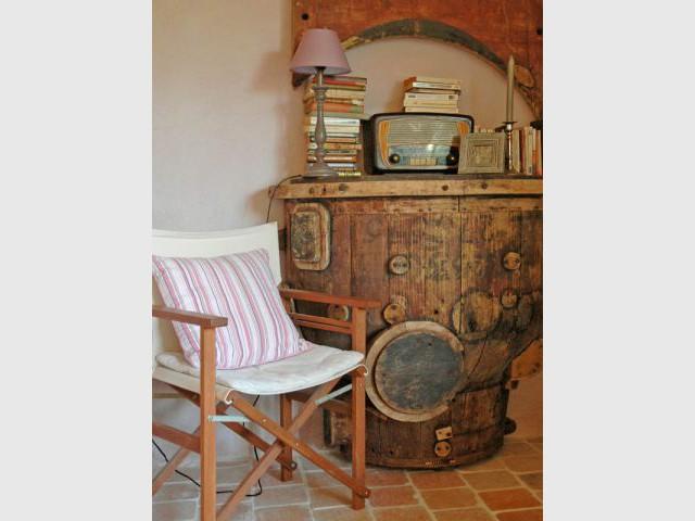 Du mobilier chiné dans le gîte Marie - Petites maisons dans la prairie