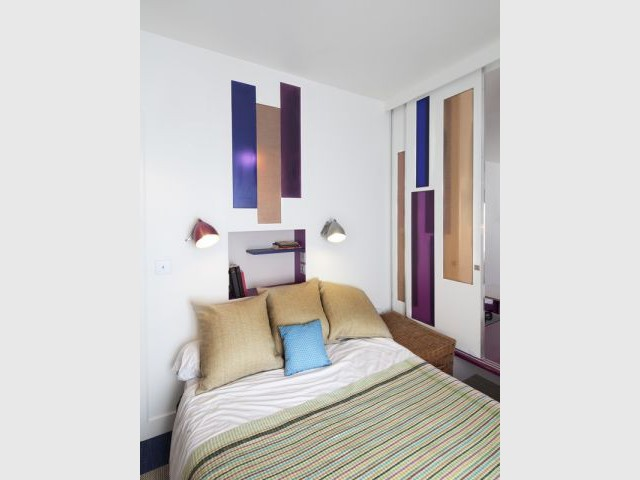 Après : la chambre parentale - Avant/après Aude Borromée - bandes colorées