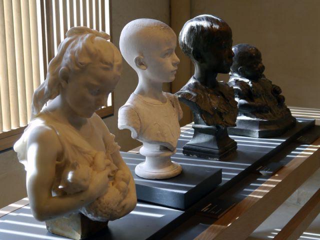 Statues du XIXème et XXème siècles - Musée de la Faïence de Nevers